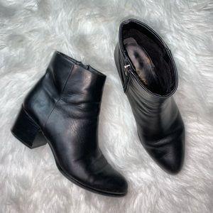 Sam Edelman black ankle booties size 9